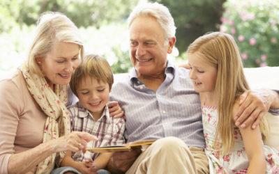 Los beneficios mutuos entre abuelos y nietos